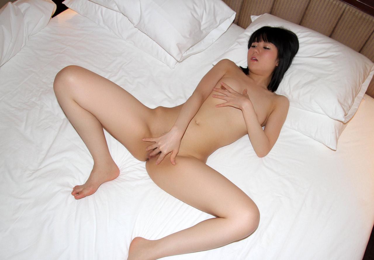 araki naked girl