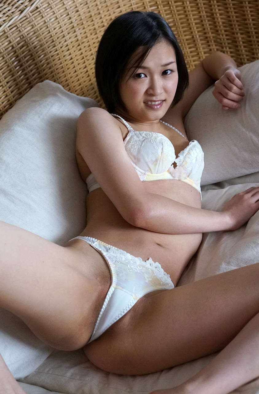 Japanese mature with the dealer