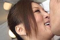Yuki Touma kissing