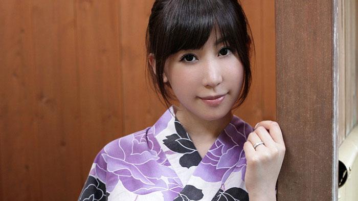 Emi Akizawa